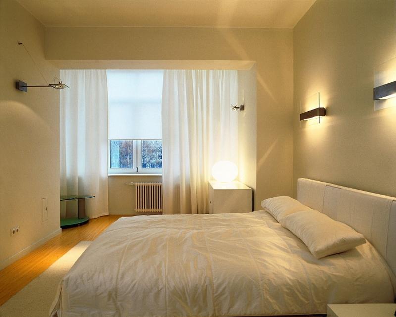 Дизайн спальни в светлых тонах в хрущевке