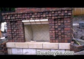 Пользовательские кирпичный камин / летняя кухня под строительство