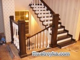 Безопасный спуск и подъем по лестнице
