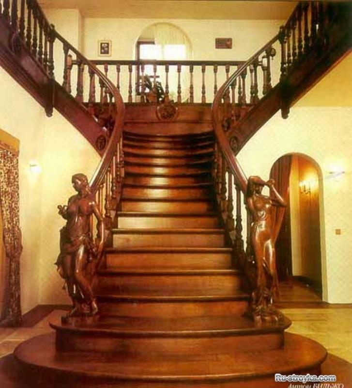 Какое название имеют лестницы такого типа? .