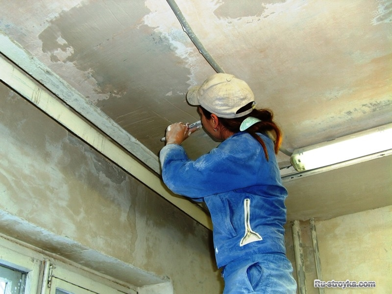 Шпаклевка потолка в частном доме