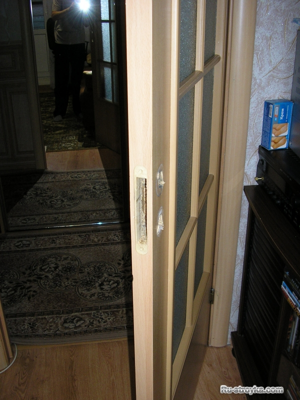 Врезка замка в дверное полотно