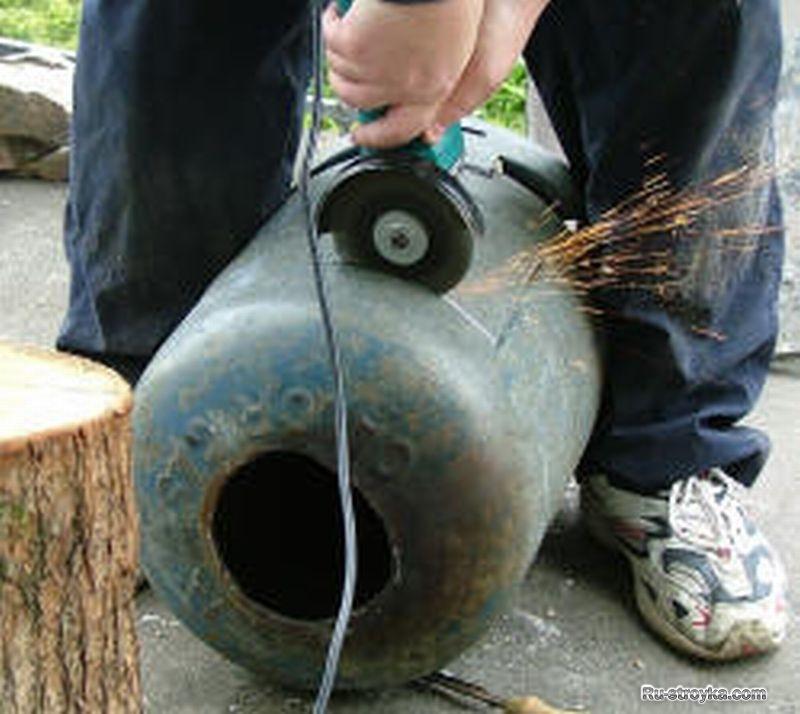 Изготовление печки из старого газового баллона.