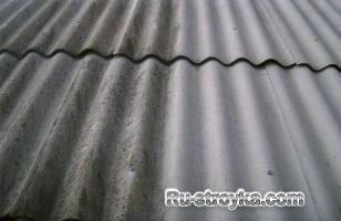 Удаление водорослей с крыши.