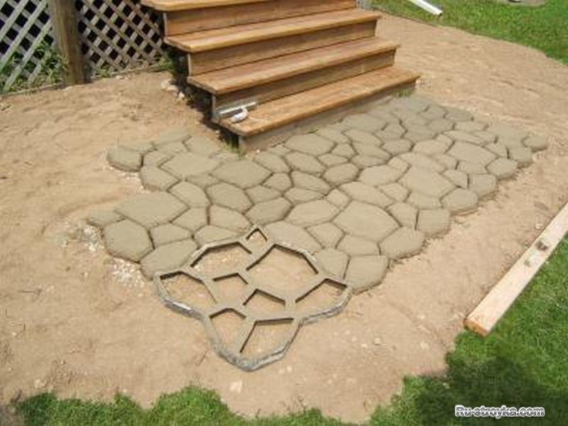 Дорожка из бетона на даче своими руками