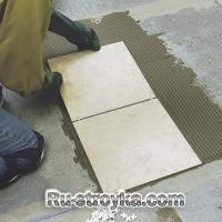 Укладка керамической плитки.
