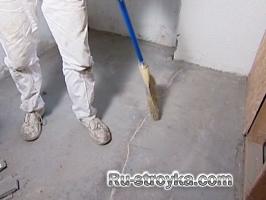 Заделка трещин в бетонном полу.