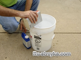 Как защитить бетон от красок и масел.