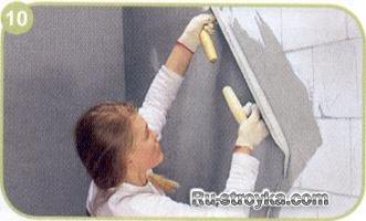 Как выровнять стену, выполненную из разнородных материалов.