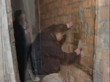 Как правильно штукатурить стены видео